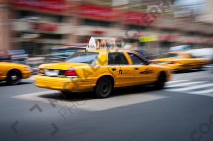 mhc-nyc 409 d117   New York taxi   Keywords: movement, blur, cab, taxi, New York, yellow, panning, speed, transport, car