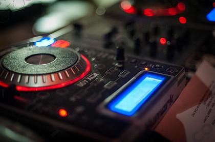 bgn-wed 312 d497   DJ   Keywords: DJ, music, decks, digital, mixing, lights, nightclub, disco, rave